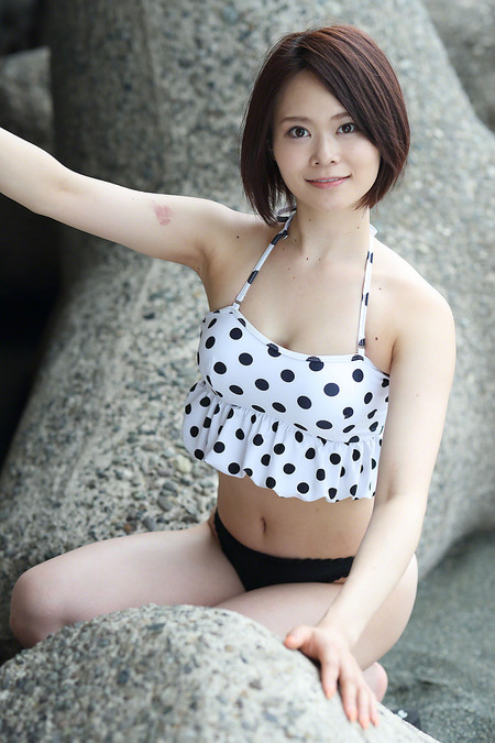 Moeko_s2018081230