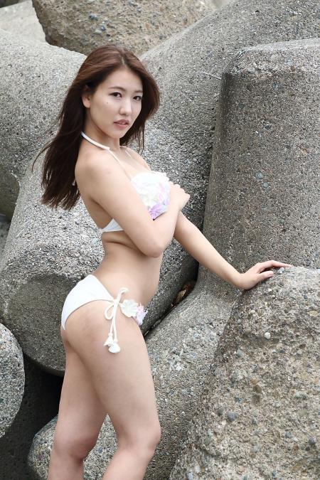 Momoko_k2019070728